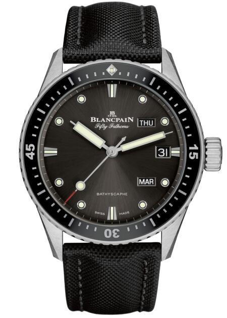 Blancpain replica Fifty Fathoms Bathyscaphe Quantième Annuel 5071-1110-B52A watch