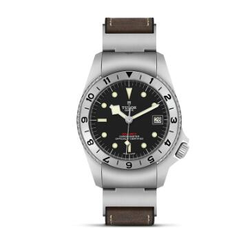 Replica Watch New TUDOR Black Bay P01 Swiss Dive Watch - m70150-0001 black dial brown leather strap